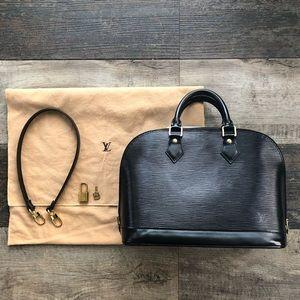 Vintage 2000's Louis Vuitton Epi Alma